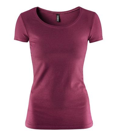 T-shirt básica, H&M, em várias cores - 4,95€
