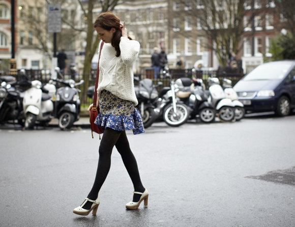 Sophie Beresiner - Camisola Zara, Saia Asos, Sapatos e Mala Chloe.